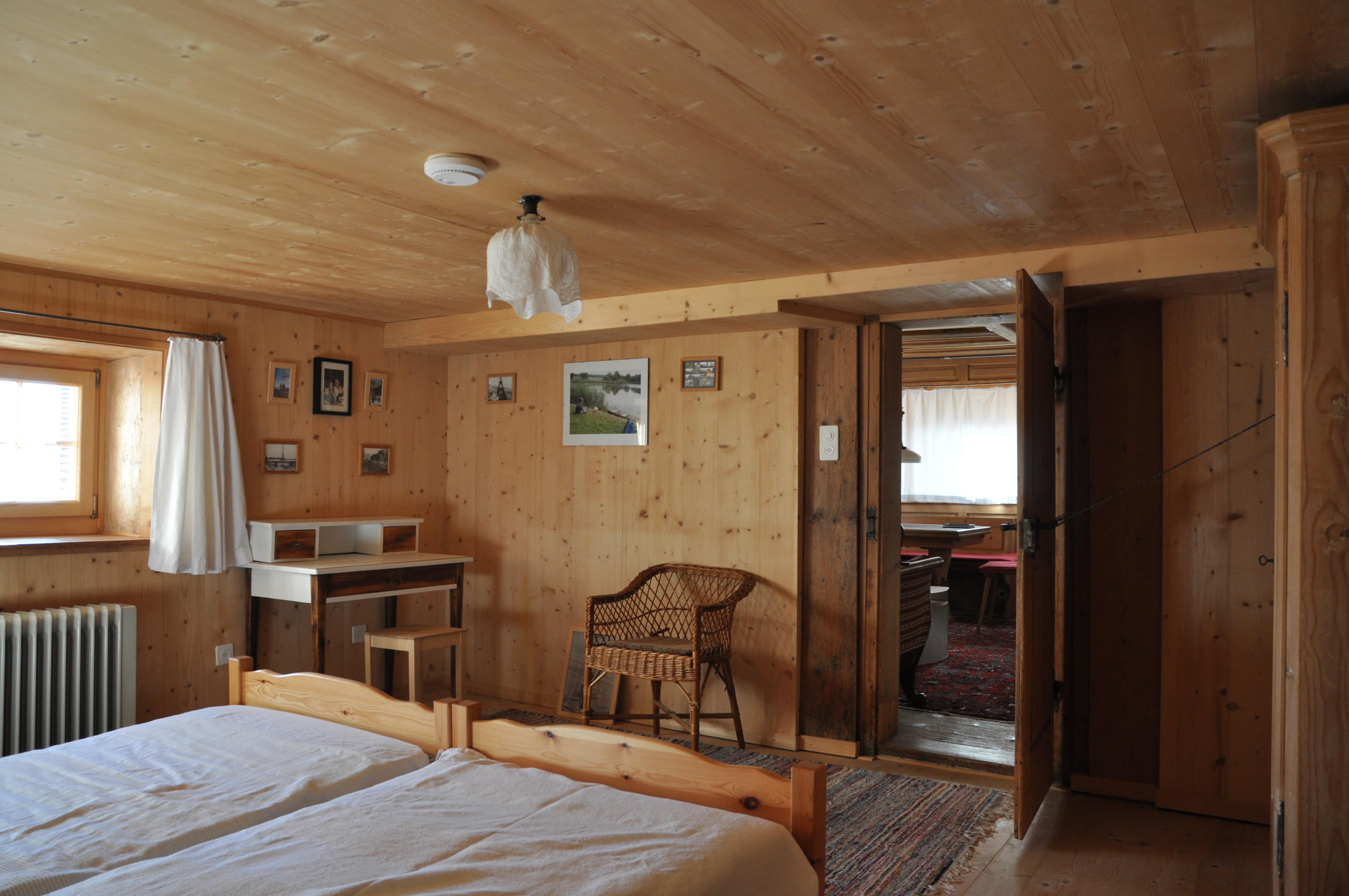 Schlafen Erdgeschoss - FERIEN IN DALIN - GRAUBÜNDEN